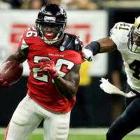 Freeman, Coleman lead Falcons in rout
