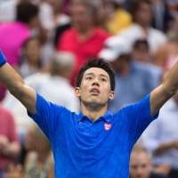 Nishikori stuns Murray to reach U.S. Open semis in dramatic comeback