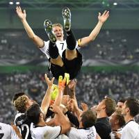 Schweinsteiger bows out in Germany's victory over Finland