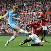City edges United in derby clash