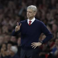 Wenger celebrates anniversary with win over Chelsea