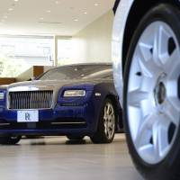 Uptick in luxury car sales a bright spot amid retail lull