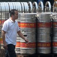 Foreign firms eye up Vietnam's state brewers