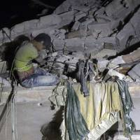 Russia declares 'goodwill' halt to Aleppo airstrikes, sparking skepticism