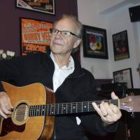1960s pop idol Bobby Vee, teen stand-in after Holly died who helped Dylan, dead at 73