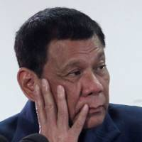 Abe to offer ¥5 billion in loans in talks with Philippine leader Duterte