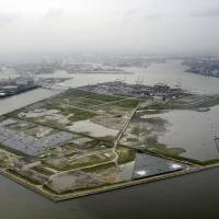 The Osaka Prefectural Government hopes to host the 2025 Expo on the man-made island of Yumeshima. | KYODO
