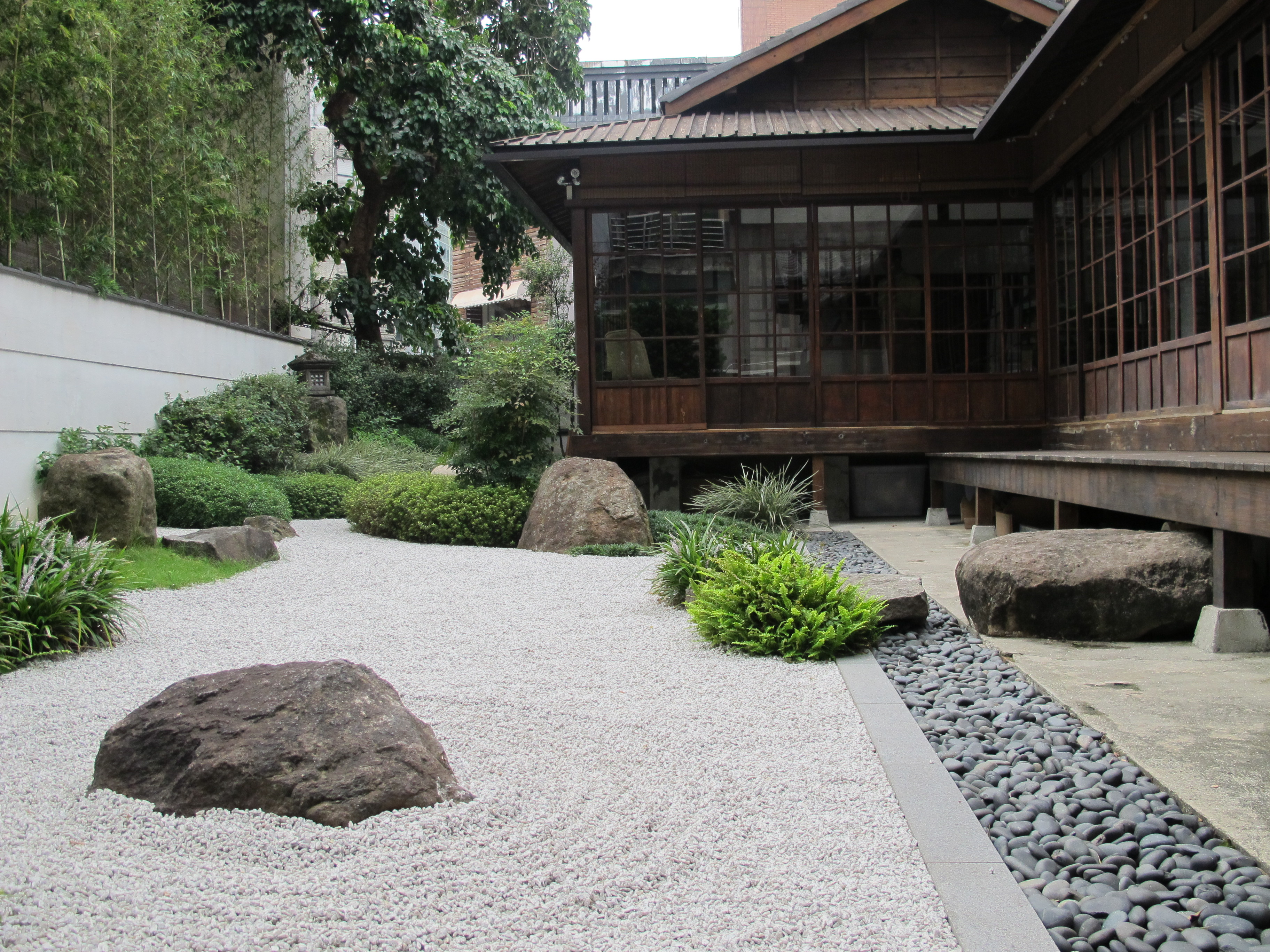 A 1920s-built dormitory for high-ranking Japanese civil servants in Taipei has been renovated into the restaurant Leputing. | KYODO