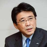 Who advises Japan's business leaders?