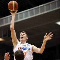 Brave Thunders cruise past Albirex
