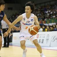 Albirex repel B-Corsairs' charge
