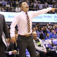 Lakestars coach Koto Toyama's team is struggling to put points on the board. | B. LEAGUE