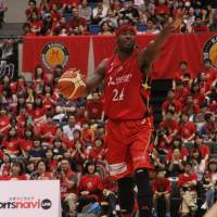 Nagoya leader Justin Burrell is tied for No. 3 in the B. League in scoring (18.5 points per game). | B. LEAGUE