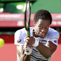 Monfils outplays compatriot Simon, reaches Japan Open quarterfinals