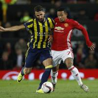 Pogba shines as Man United bests Fenerbahce