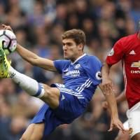 Chelsea humiliates Mourinho's United; Saints hold City