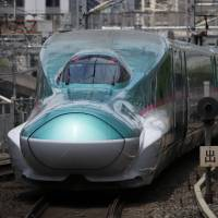 Abe eyes India to cement high-speed rail dominance over China