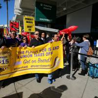 Fast-food, other service ranks wage 'Fight for 15' pay protests across U.S.