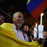 Colombia's government, rebels sign modified peace agreement
