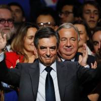 Ex-premier Fillon tipped to win French right-wing primary