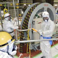 Full-scale model used to test decommissioning for Fukushima reactor