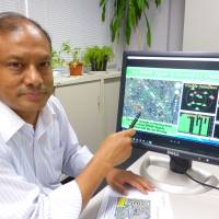 Dinesh Manandhar, a project associate professor at the University of Tokyo, speaks about the danger of GPS spoofing — the falsification of location data — at the university's Komaba campus in Meguro Ward, Tokyo, on Oct. 5. | SHUSUKE MURAI