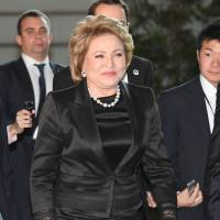 Valentina Matviyenko, speaker of Russia's upper house, heads for a meeting with Prime Minister Shinzo Abe at the Prime Minister's Office in Tokyo on Tuesday. | KYODO