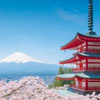 Foreign visitors to Japan tipped to reach 24 million in 2016