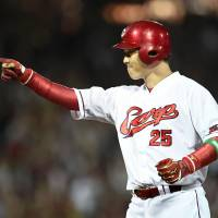 Eighteen-year veteran Takahiro Arai finished third in the Central League with 101 RBIs for the Carp during the 2016 season. | KYODO
