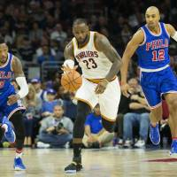 LeBron moves into top 10 on NBA's career scoring list during Cavs win