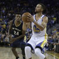 Warriors' Curry breaks NBA single-game mark with 13 3-pointers
