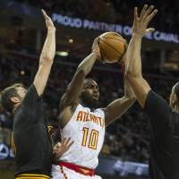 Hawks send Cavs to first defeat of season