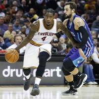 Second unit helps guide Cavs to win over Hornets