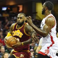 Cavs beat Raptors to match best start