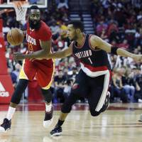 Rockets pounce on Trail Blazers