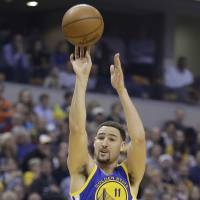 Thompson shoots Warriors to win