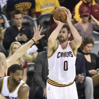 Love sets new scoring record in Cavs' victory