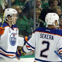 McDavid bags first hat trick in Oilers' win
