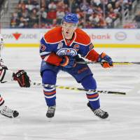 Resurgent Oilers thump Blackhawks