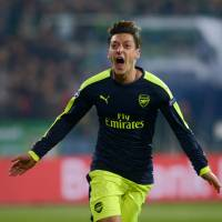 Arsenal looks to extend impressive run against Spurs