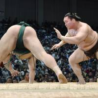 Goeido, Hakuho win on first day of Kyushu tourney