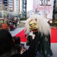 On New Year's Day, there will be a shishimai (lion dance) performance at the Roppongi Hills Arena. | ROPPONGI HILLS