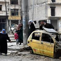 Bloody end feared as Aleppo evacuation collapses amid bombardments
