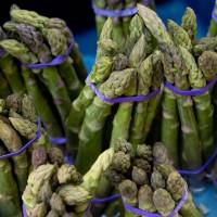 Scientists sniff out answer to 'asparagus pee' mystery