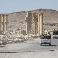 IS retakes ancient city of Palmyra after Syrian Army withdraws fighters