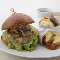 The trademark Marx Burger at Bistro Thierry Marx, Ginza | THIERRY MARX