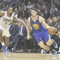 Warriors waltz past Clippers