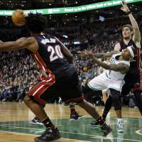 Celtics star Thomas torches Heat with 29-point fourth-quarter outburst