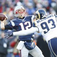 Brady earns record 201st win as Patriots beat Rams