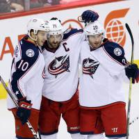 Blue Jackets extend win streak to 14